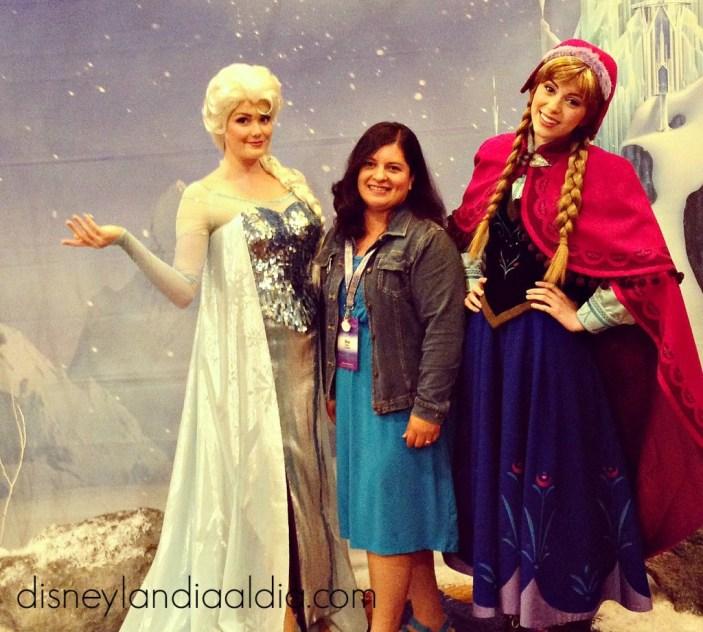 Conoce a Anna y Elsa en Disneylandia