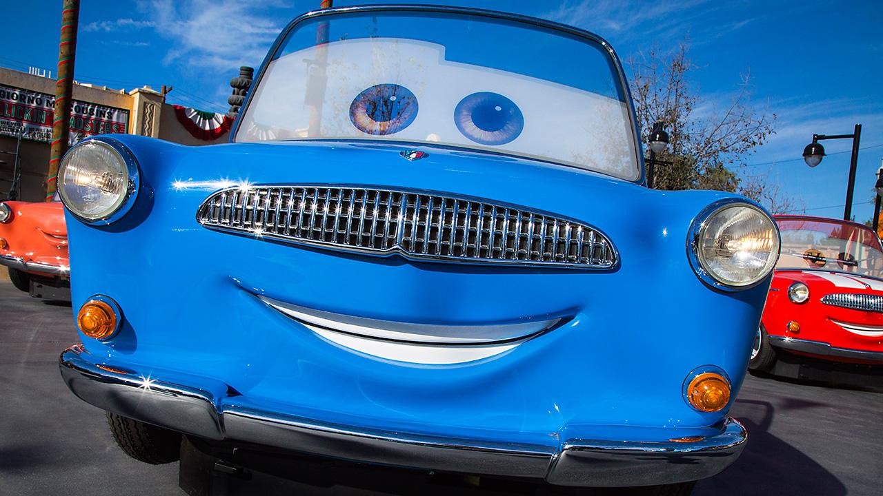 luigis-rollickin-roadsters-llega-a-disney-california-adventure