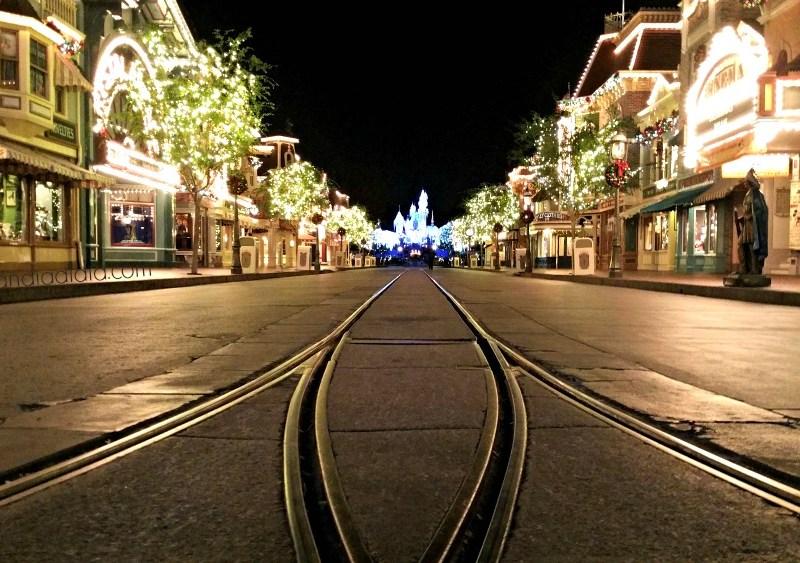 Boleto Especial para el Emocionante Estreno del Main Street Electrical Parade en Disneylandia