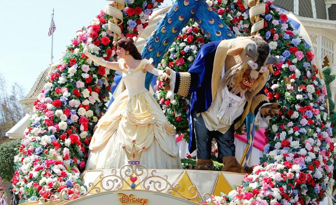 Experiencias de la Bella y la Bestia en Disneylandia - disneylandiaaldia.com