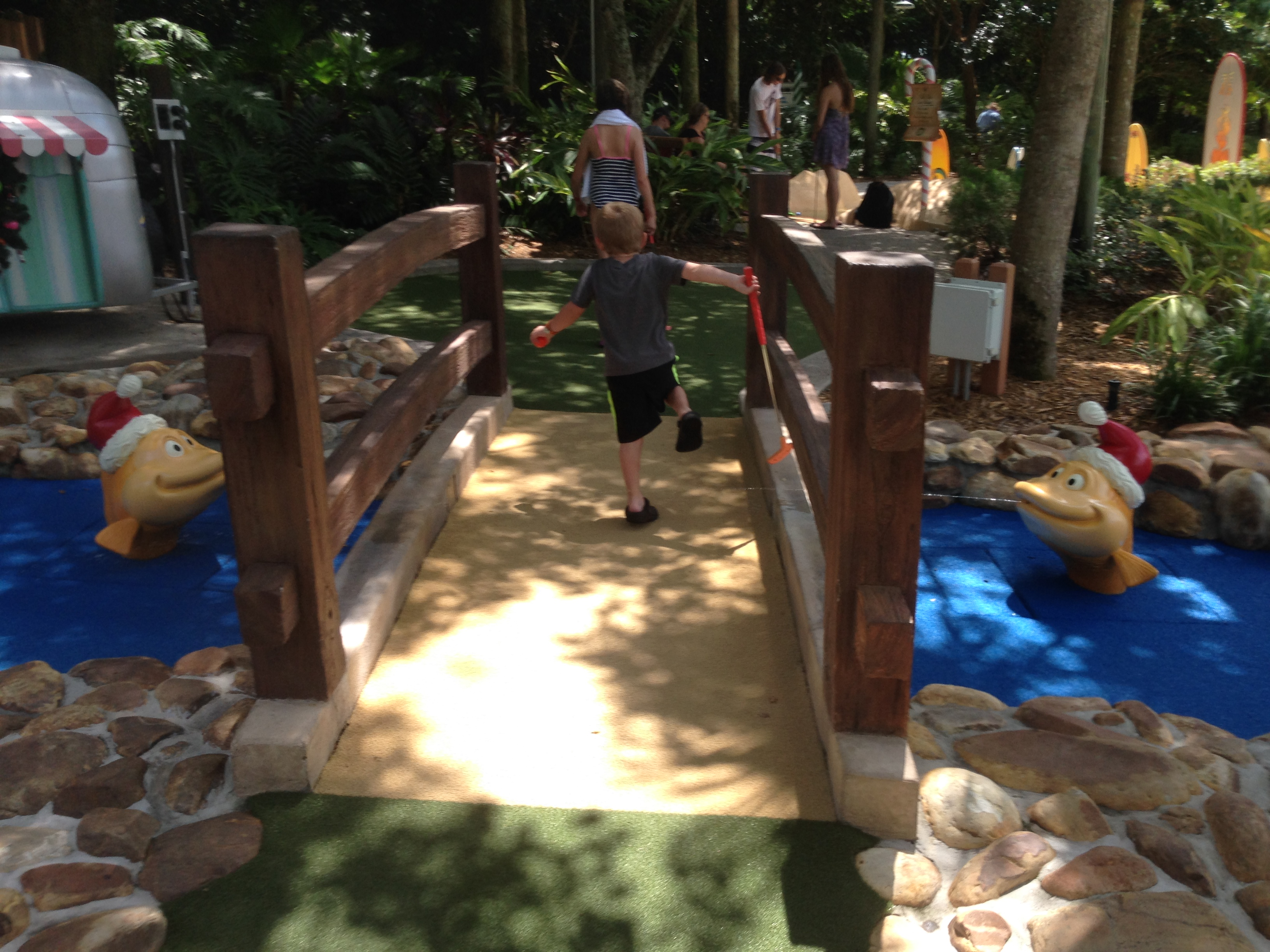 Winter Summerland Mini Golf | Disney Parks Addict