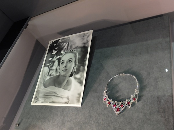 16 Cartier-Style-and-history-tiara-necklace-transformer-Elizabeth-Taylor-ruby-diamond