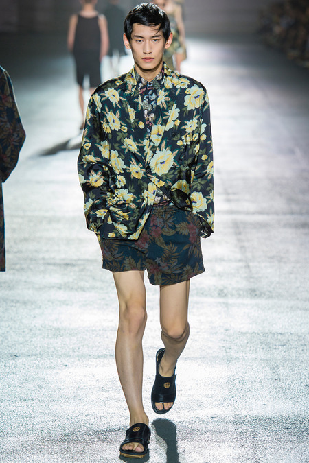 2 Dries-van-noten-ss14-masculine-floral-jacket 2