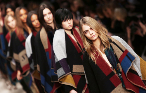 Burberry-aw14-blanket-poncho-cape