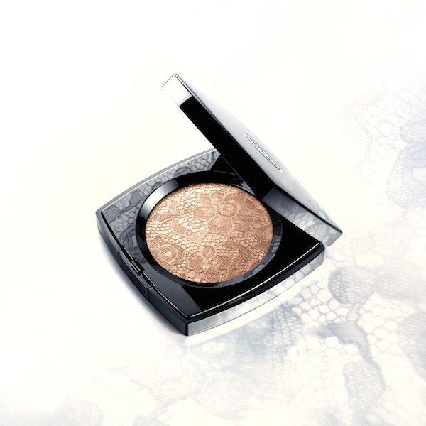 Chanel-Dentelle-Precieuse-Compact  2