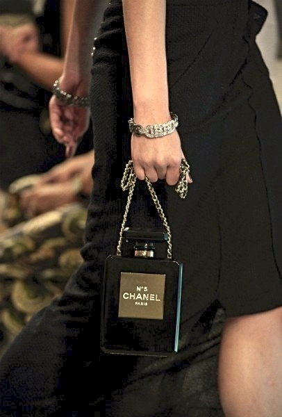 Chanel-no5-minaudiere