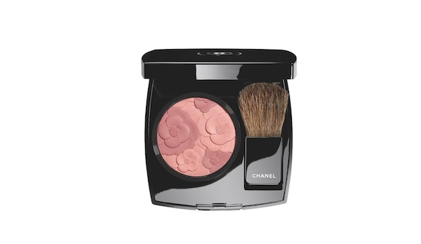 Chanel spring 2015 make-up colours  Blush Camelia Rose. photo by Jacques GIRAL