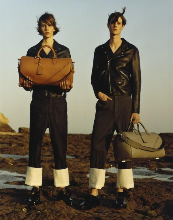 Loewe-menswear-ss15-disneyrollergirl 3