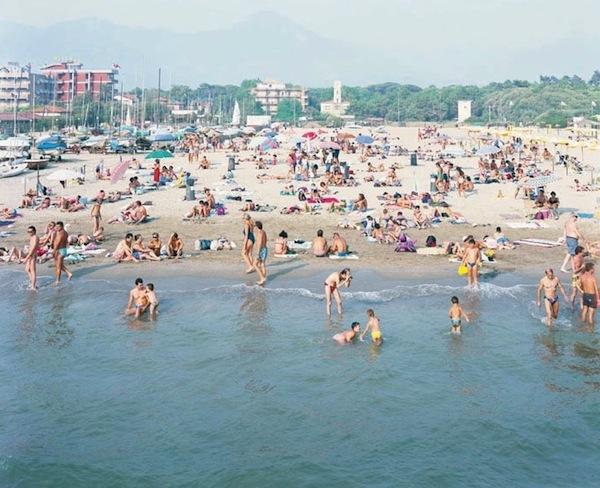 massimo-Vitali-Beach-and-disco