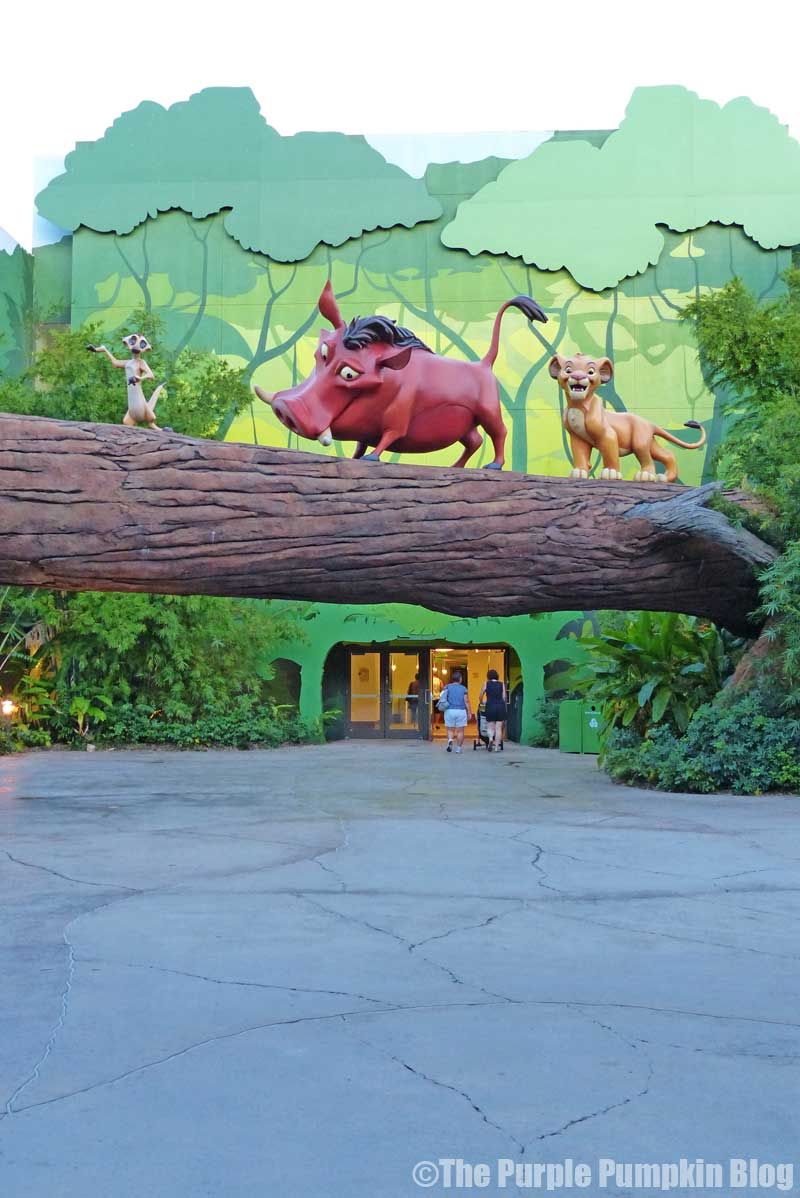 Disney's Art of Animation Resort - The Lion King Courtyard - Timone, Pumba & Simba Statues