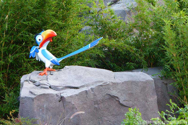 Disney's Art of Animation Resort - The Lion King Courtyard - Zazu Statue