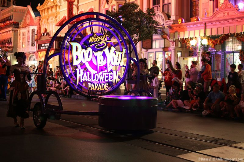 Mickey's Not So Scary Halloween Party 2016 - Boo To You Parade!