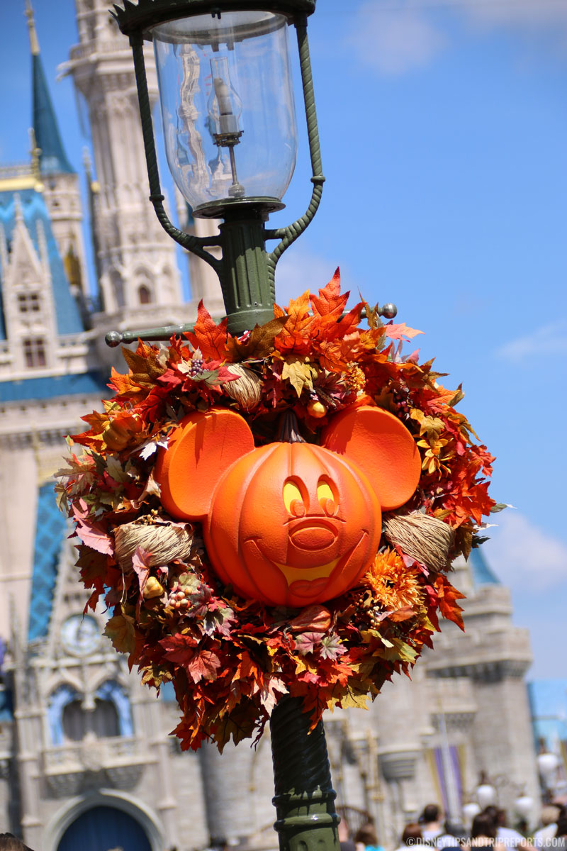 Magic Kingdom - Mickey Pumpkin Wreath