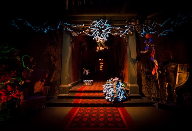 Haunted mansion holiday photos video disney tourist blog haunted mansion holiday disneyland 016 voltagebd Image collections