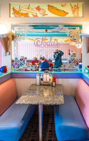 beaches-cream-soda-shop-disney-world-epcot-dessert-132