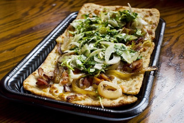 village-haus-pizza-1