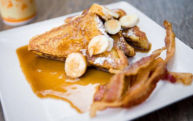tangaroa-terrace-banana-french-toast