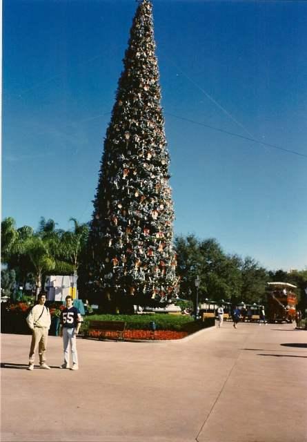 Xmas Tree & Bus- Johnny Kunzer