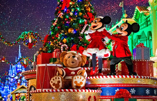 minnie-mickey-mouse-disney-world-christmas-parade