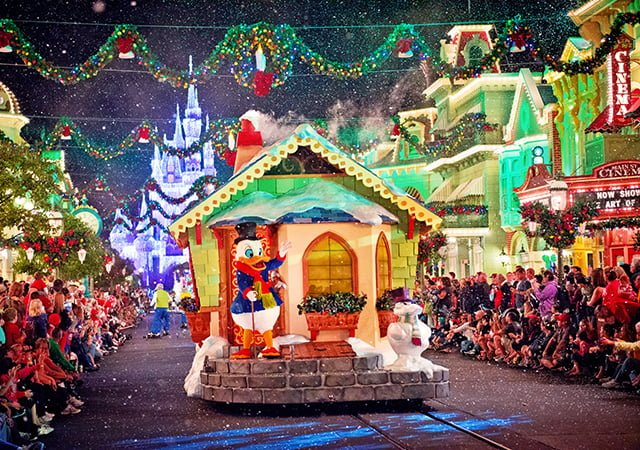 scrooge-disney-christmas-parade