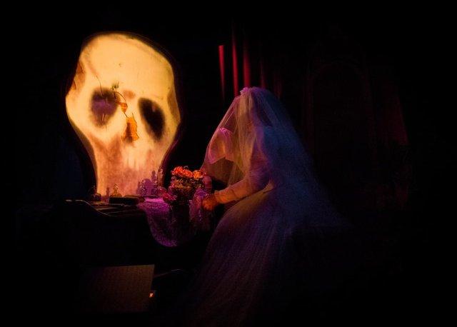 phantom-manor-bride