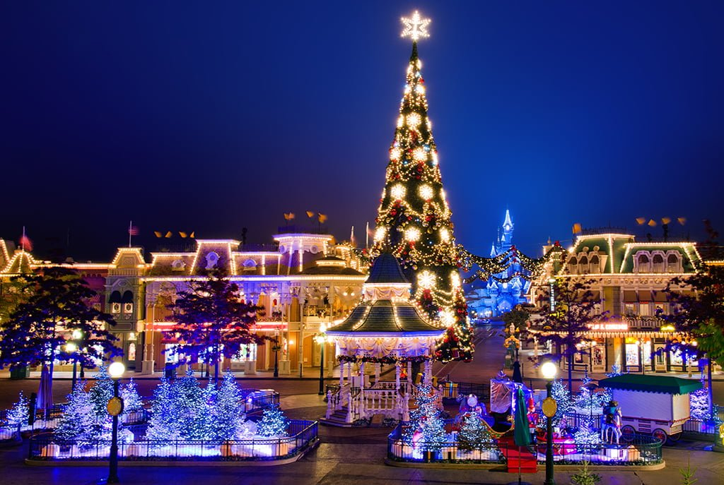 Christmas At Disneyland 2020 Christmas at Disneyland Paris Info & Tips   Disney Tourist Blog