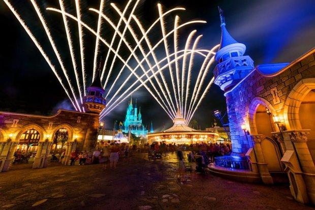 backside-cinderella-castle-fan-burst-fireworks copy