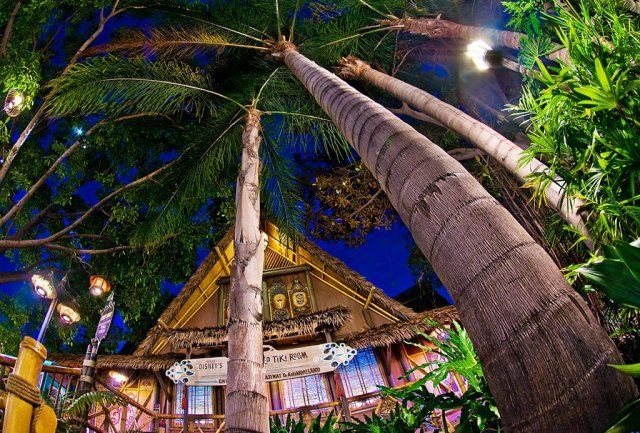 tiki-room-palms