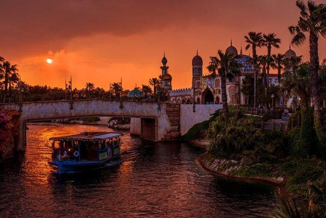 arabian-coast-sunset-boat