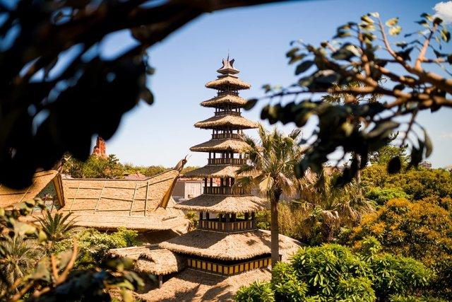 Tokyo-Disneyland-Spring-2013-0284
