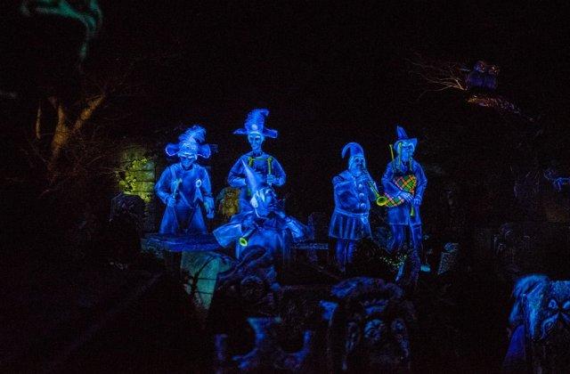 Tokyo-Disneyland-Spring-2013-0314