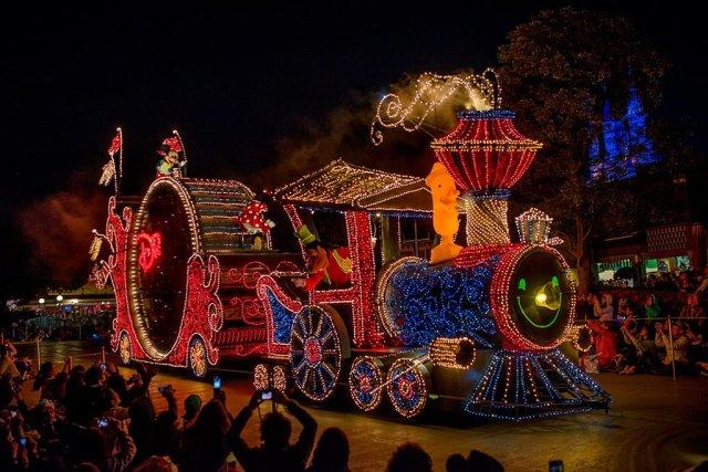 Tokyo-Disneyland-Spring-2013-0330