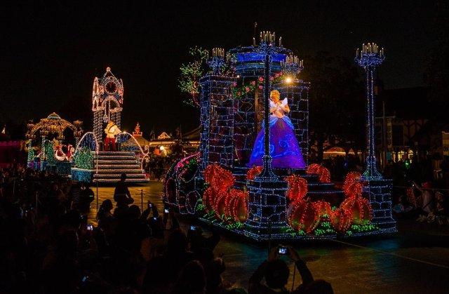Tokyo-Disneyland-Spring-2013-0350