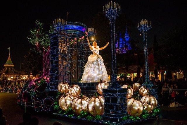 Tokyo-Disneyland-Spring-2013-0352