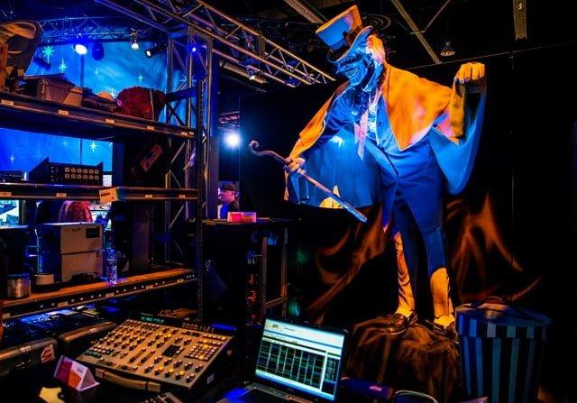 hatbox-ghost-animatronics-disneyland-haunted-mansion-disney-d23-expo