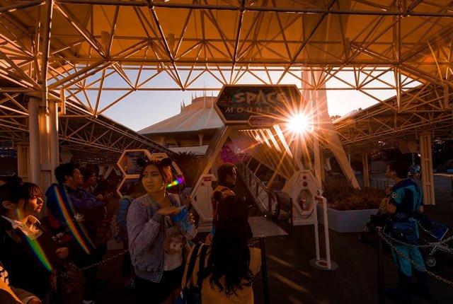 space-mountain-queue-sunset-tokyo-disneyland