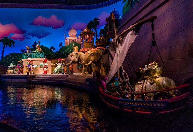 Tokyo-Disney-Resort-Spring-2013-0469