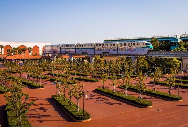 tokyo-resort-cruiser-monorail