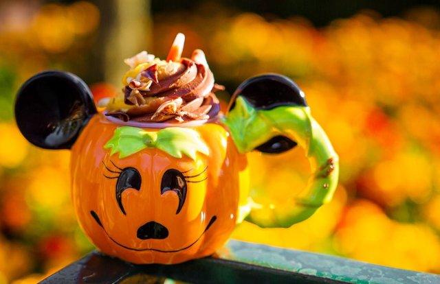minnie-pumpkin-demitasse copy