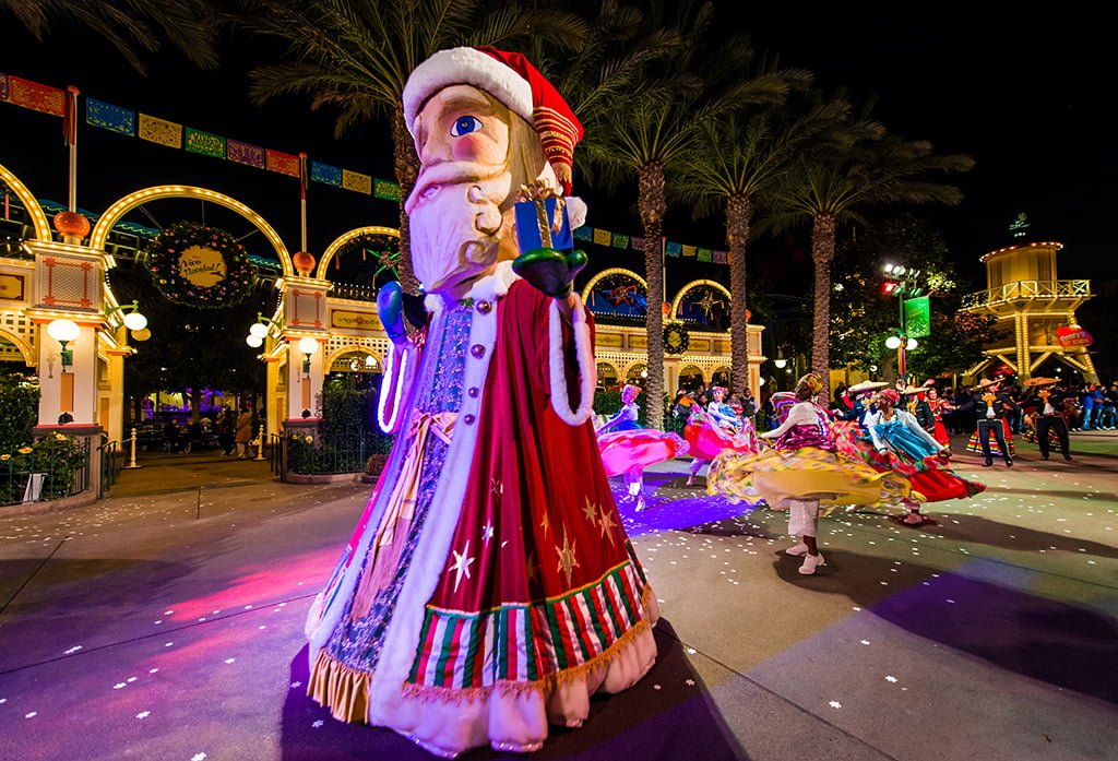 Ultimate Disneyland Christmas Guide - Disney Tourist Blog