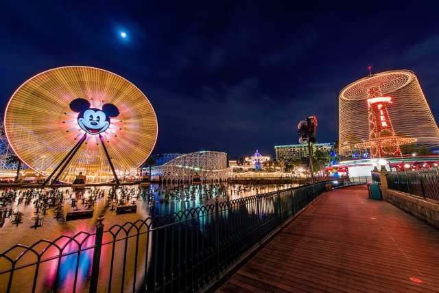 paradise-pier-boardwalk-disney-california-adventure