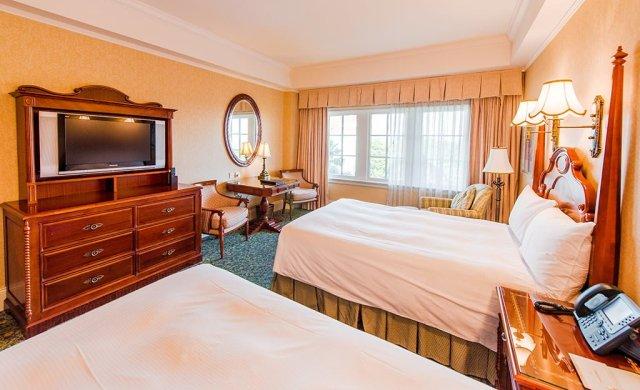 hong-kong-disneyland-hotel-room-2