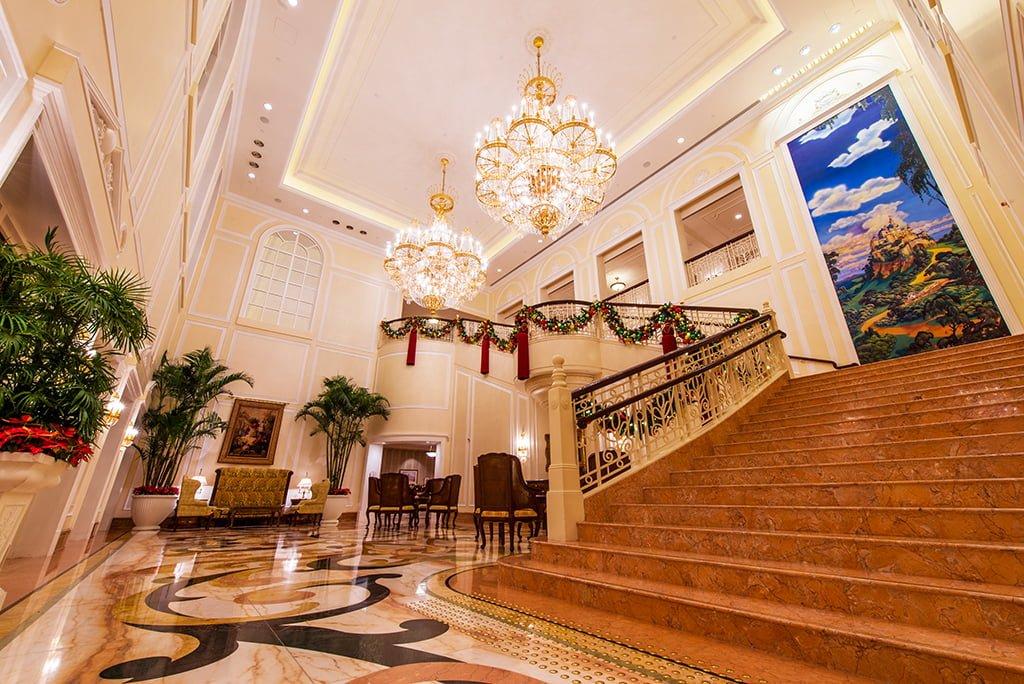 Hong Kong Disneyland Hotel Review - Disney Tourist Blog