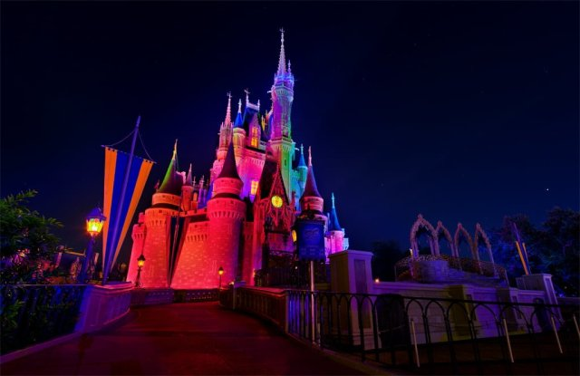cinderella-castle-halloween-lighting
