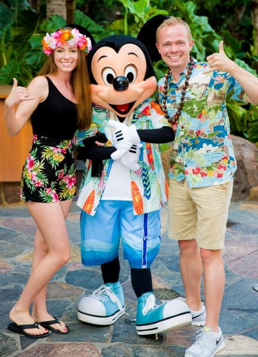sarah-tom-bricker-mickey-mouse-aulani-hawaii copy