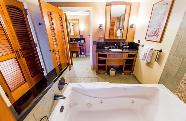 aulani-bathtub