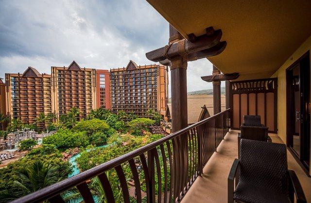 aulani-room-balcony
