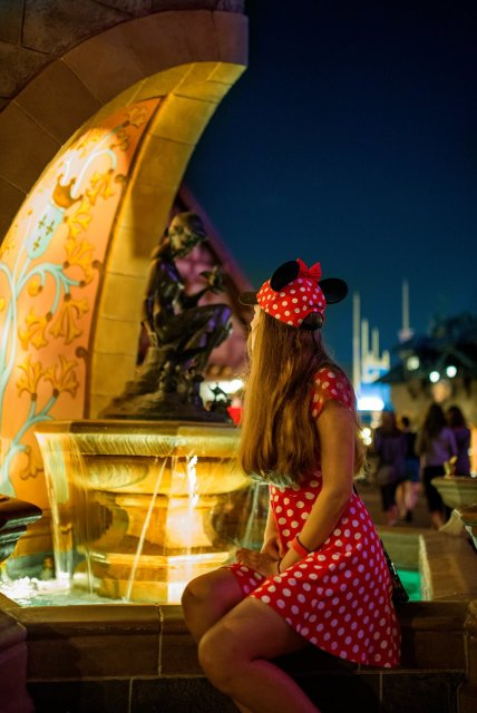 sarah-bricker-cinderella-fountain