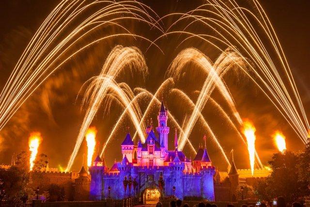 fireworks-fire-hong-kong-disneyland
