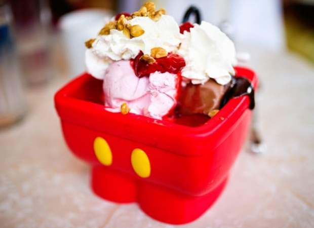 mickey-mouse-shorts-kitchen-sink-ice-cream-walt-disney-world-640x465